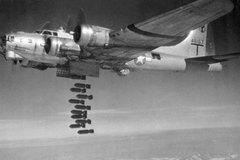 Ngày này năm xưa: Hàng trăm máy bay Mỹ oanh tạc Berlin