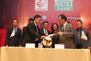 Mê U23 Việt Nam, NutiFood tài trợ cho V-League