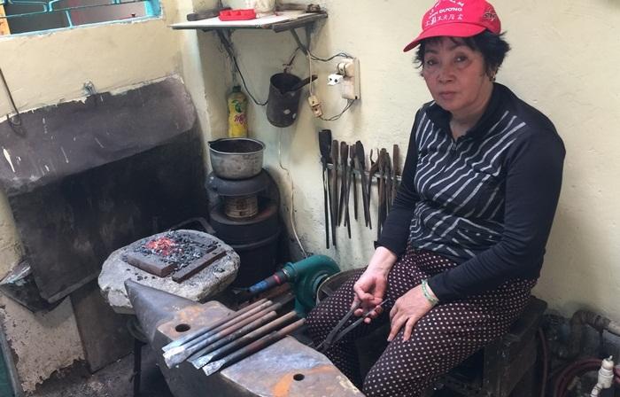 Câu chuyện cảm động về người nữ thợ rèn ở Sài Gòn
