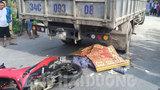 Hai thanh niên không đội mũ bảo hiểm tử vong khi va chạm với xe tải