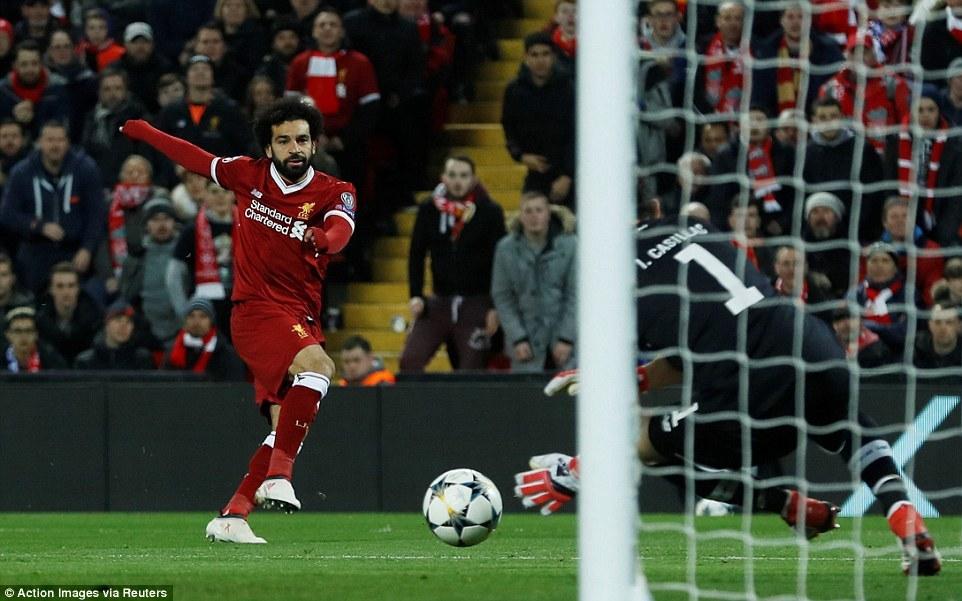 Liverpool đoạt vé tứ kết Champions League