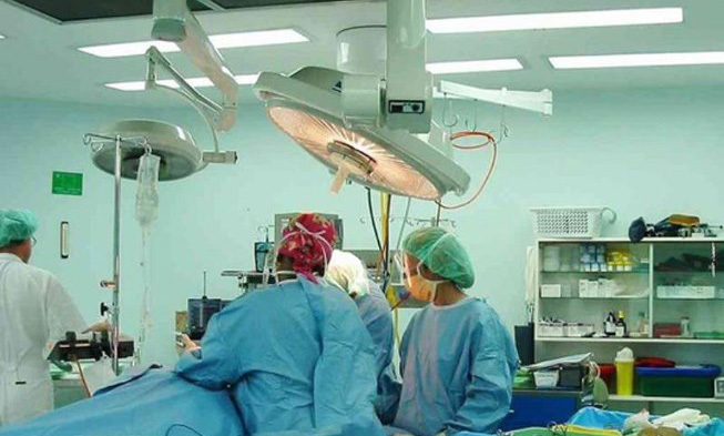 Phẫu thuật não suốt 2 giờ mới biết nhầm bệnh nhân