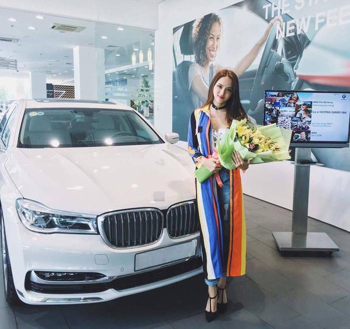 Cuộc sống giàu có đáng mơ ước của Hương Giang Idol