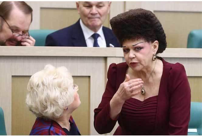Dân mạng 'săm soi' mái tóc lạ của nữ nghị sĩ Nga