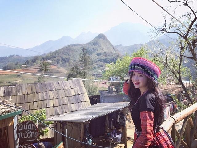 Cô gái xinh đẹp mặc trang phục H'Mông khiến nhiều người mê mẩn