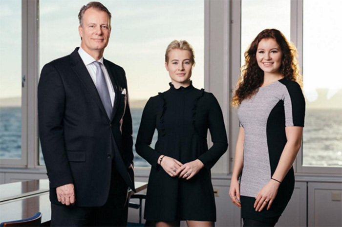 tỷ phú Alexandra và Katharina,tỷ phú trẻ Alexandra,tỷ phú trẻ Katharina,tỷ phú giàu nhất thế giới