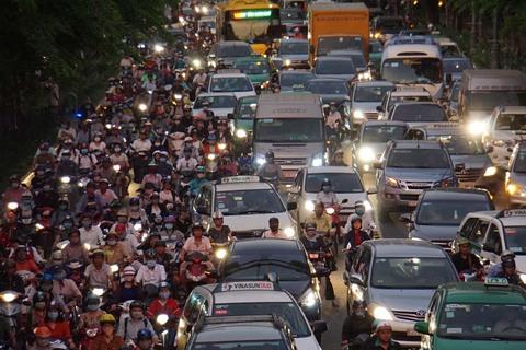 Kẹt xe cửa ngõ Tân Sơn Nhất
