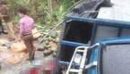 Lật xe tải chở đầy dưa hấu, phụ xe thiệt mạng