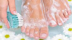 5 tuyệt chiêu giúp chăm sóc móng chân hiệu quả
