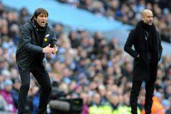 "Abramovich ""trảm"" HLV Conte nếu Chelsea hụt tốp 4"