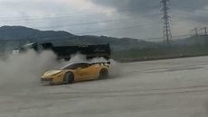 Cường Đôla trổ tài drift với siêu xe Ferrari