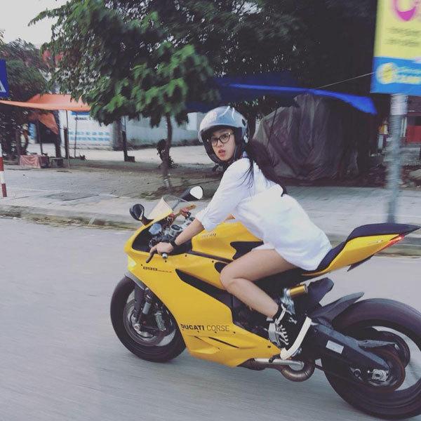 Ngắm nhan sắc những nữ biker nóng bỏng và cá tính nhất Việt Nam