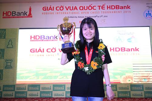 Những 'bông hồng thép' tại giải cờ HDBank
