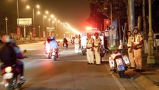 Chi tiết vụ nhóm buôn lậu chống cảnh sát, 6 người bị thương nặng