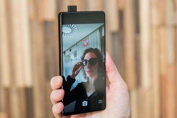 """Smartphone có camera """"tự sướng"""" di động sẽ ra mắt giữa năm nay"""
