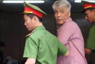 Người đàn ông Hàn Quốc kề dao cướp tài sản của đồng hương