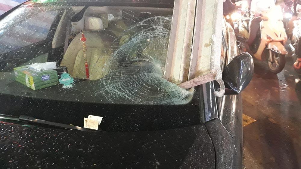sập giàn giáo,Sài Gòn,tai nạn,tai nạn giao thông