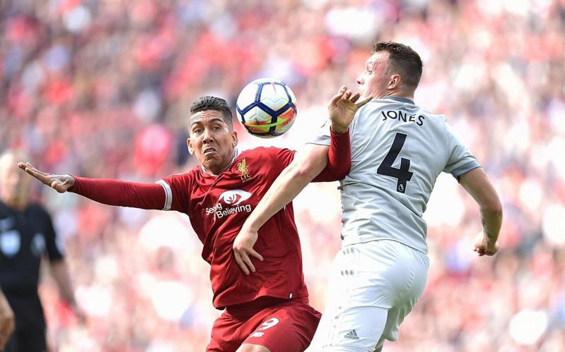 MU vs Liverpool: Mourinho sắm vai 'người phán xử'