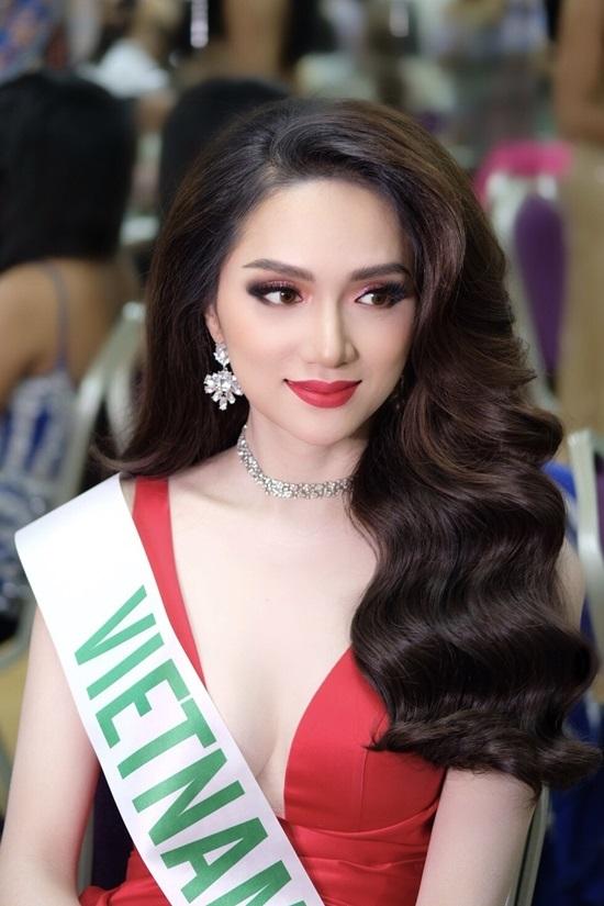Hành trình đoạt ngôi vị Hoa hậu Chuyển giới của Hương Giang Idol