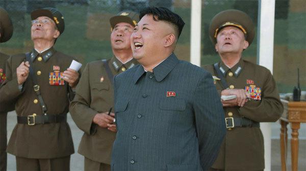 Kim Jong Un bất ngờ thể hiện khiếu hài hước