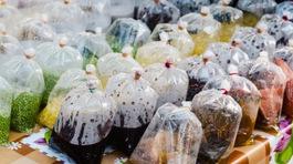 Túi nilong đựng đồ ăn nóng độc hại thế nào?