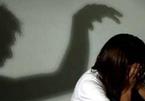 Giám định bé 6 tuổi nghi bị gã hàng xóm 52 tuổi xâm hại