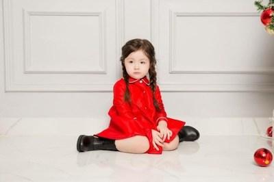 Con gái Elly Trần xinh như thiên thần và hành động siêu dễ thương