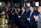 Thủ tướng dâng hương tại khu di tích Kim Liên và Ngã ba Đồng Lộc
