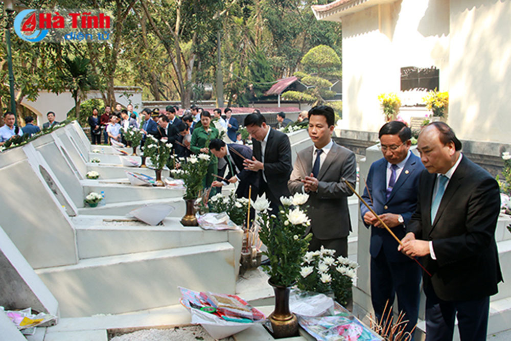 Thủ tướng Nguyễn Xuân Phúc,Nguyễn Xuân Phúc,Nghệ An,Khu di tích Kim Liên,Ngã ba Đồng Lộc,Hà Tĩnh