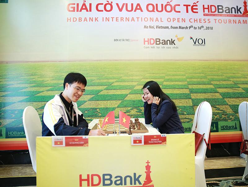 Lê Quang Liêm, Wang Hao cùng thắng trận mở màn