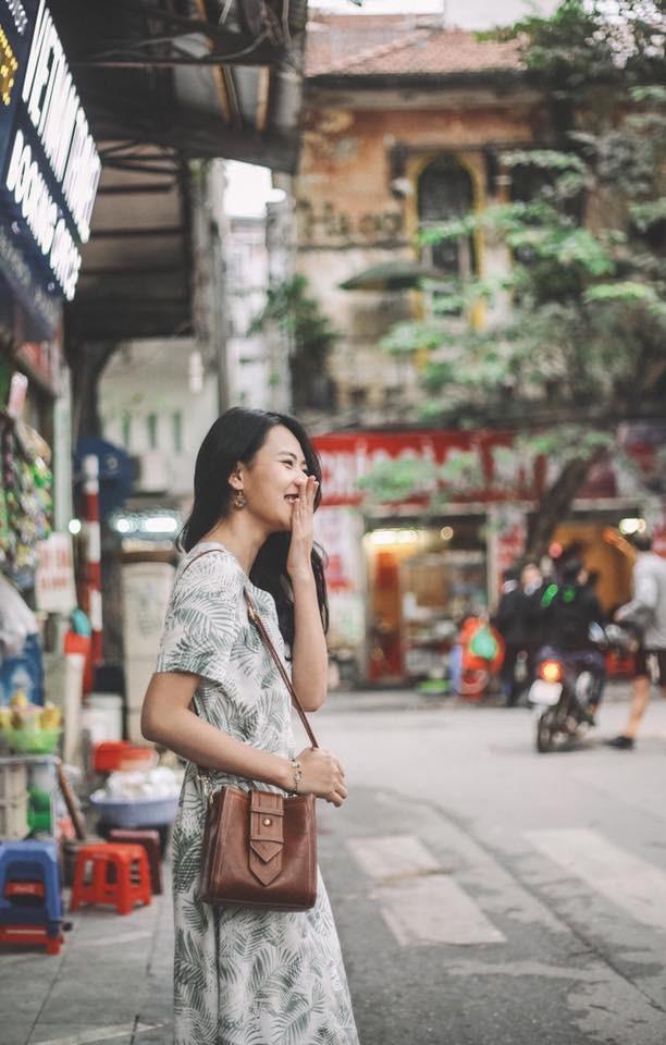 Nhan sắc đời thường ấn tượng của Quyên 'Tình khúc Bạch Dương'