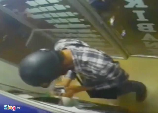 76 người ở miền Tây bị trộm hơn 1,5 tỷ trong tài khoản ATM