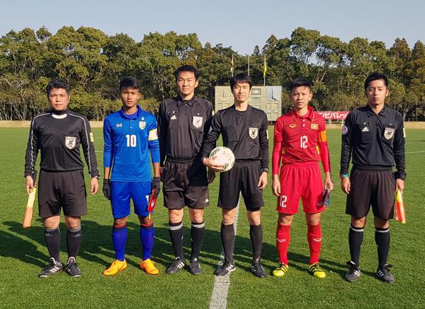 """Thắng """"đấu súng"""" Thái Lan, U16 Việt Nam vào chung kết"""