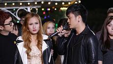 Quán quân Ca sĩ giấu mặt 'phản bội' bạn diễn khiến cô gái khóc nghẹn