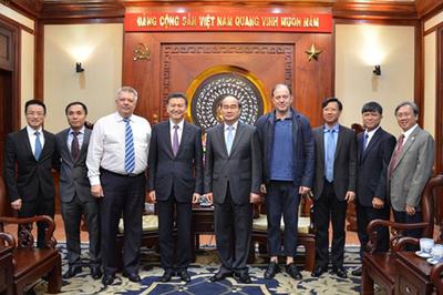 Chủ tịch Liên đoàn Cờ vua Thế giới đến Việt Nam