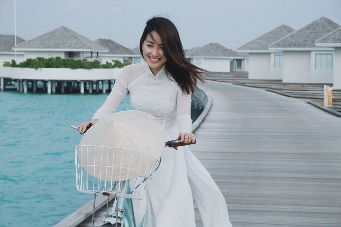 MC VTV diện bikini khoe dáng ở Maldives