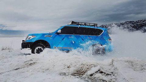 Xe độ offroad chuyên nghiệp từ bản SUV cỡ lớn Nissan Armada