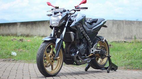 Yamaha FZ150i: Mẫu xe độ từ Yamaha R25