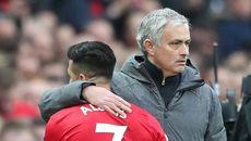 Sếp bự MU bất an, xem xét sa thải Mourinho