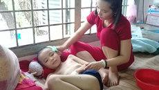 Cha mẹ nghèo loay hoay tìm cách cứu con ung thư máu