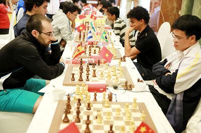 Lê Quang Liêm vớt lại cơ hội bảo vệ ngôi vô địch