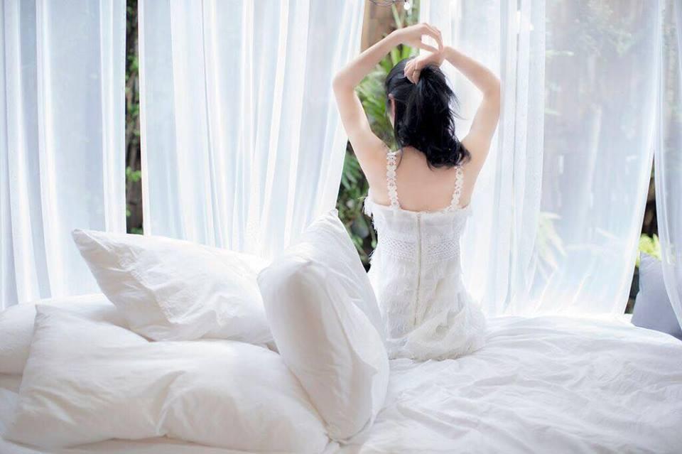 Loạt ảnh nóng bỏng của hotgirl 'Tháng năm rực rỡ'