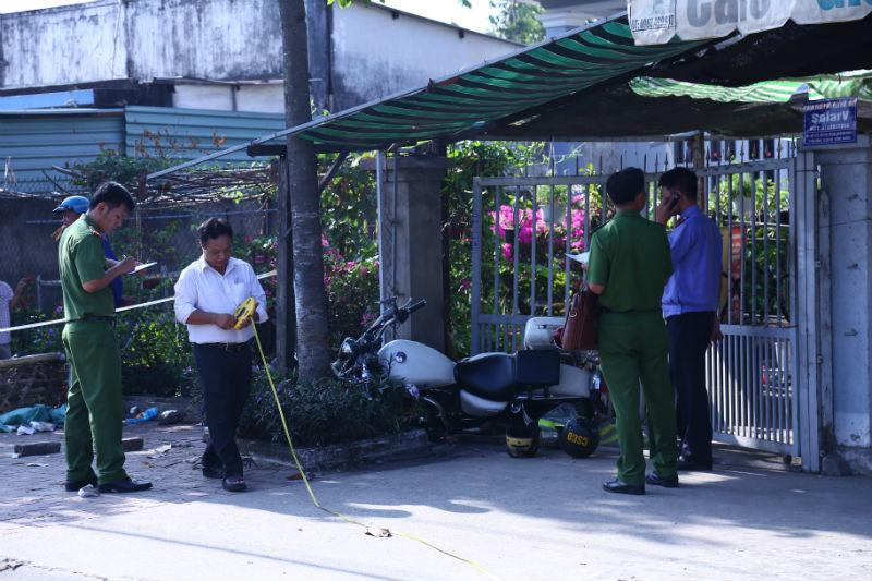 Cơ quan công an khám nghiệm hiện trường để điều tra