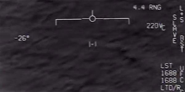 Video phi công Mỹ chạm trán vật thể bay bí ẩn