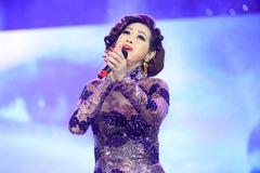 Ý Lan hội ngộ Hồng Nhung trong đêm nhạc 'Trịnh ca 2 - Diễm Xưa'