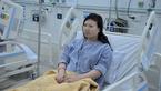 Tự ngậm kẹo và nước đường chữa bệnh, cô gái trẻ phát hiện bệnh hiếm