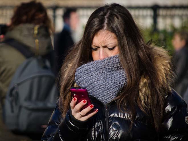 Nghiện smartphone khiến não lười hoạt động?