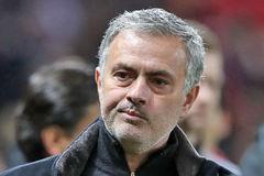 MU bị đá văng khỏi C1, Mourinho tuyên bố gây bức xúc