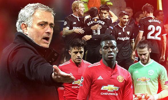 MU làm điều 'điên rồ', Mourinho họp toàn đội