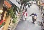 Cảnh cướp chó trắng trợn ở Hà Nội lên báo Anh